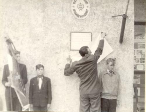 szovjet hősök emléktáblájának leleplezése