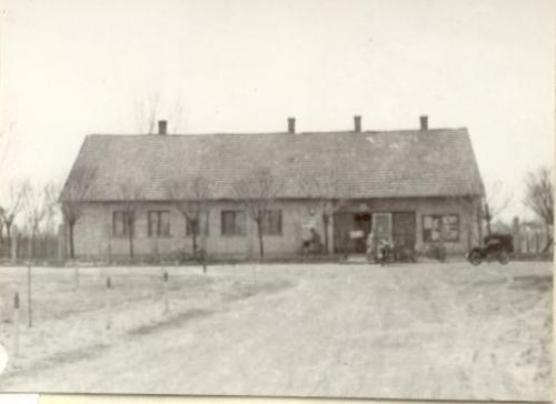 tanácsháza 56 előtt
